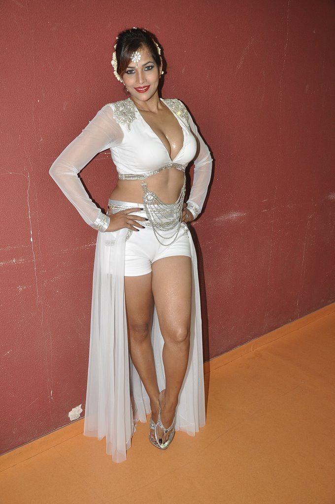 Tanisha holi (4)