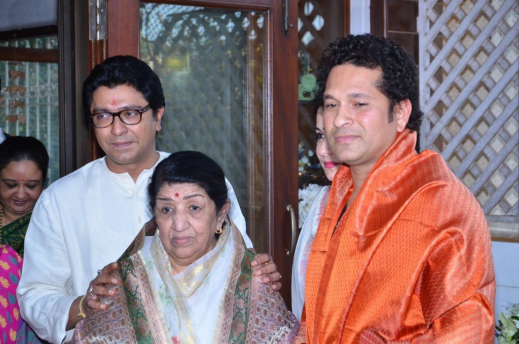 sachin lata honoured (4)