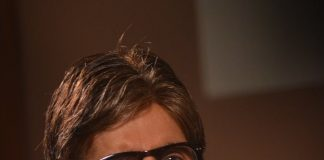 Amitabh Bachchan promotes Bhoothnath Returns on Captain Tiao sets