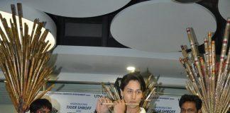 Heropanti song Whistle Bajja launches among flute sellers