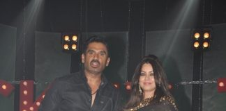 Suniel Shetty, Mahima Chaudhary promote Koyelaanchal at Ticket To Bollywood