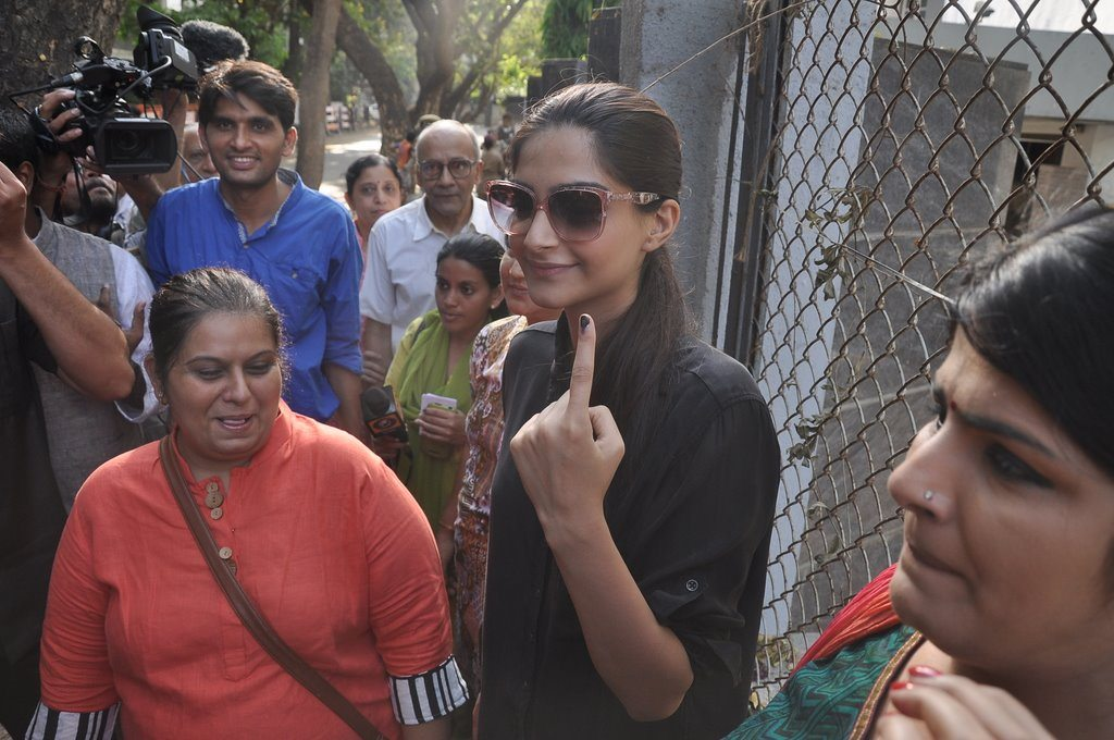 Voting (4)