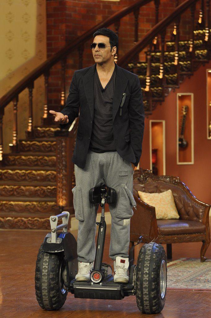 Akshay comedy (3)