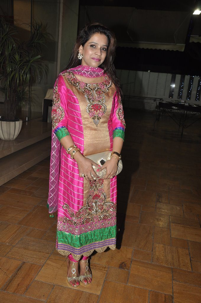 Chal bhaag (2)