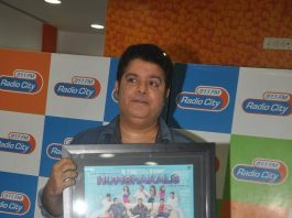 Director Sajid Khan and singer Himesh Reshammiya at Radio City for Humshakals music launch