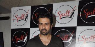 Harman Baweja and Sharman Joshi at Spill Bar launch – Photos