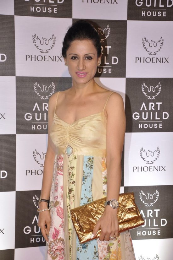 Rashmi_nigam_at_art_guild_house_launch16