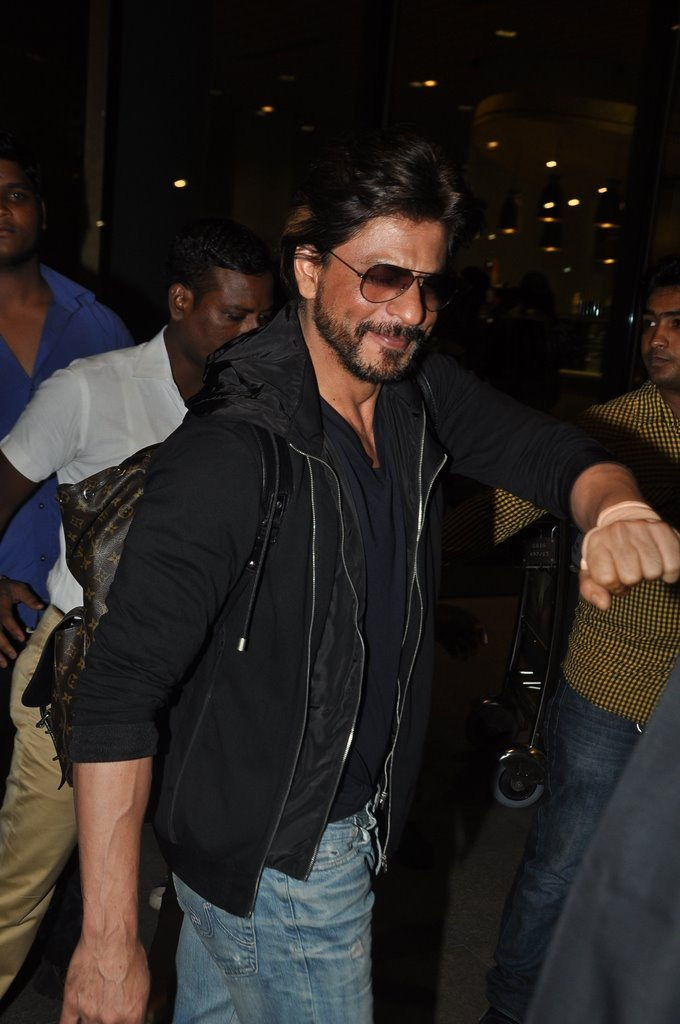 Shahrukh returns (1)