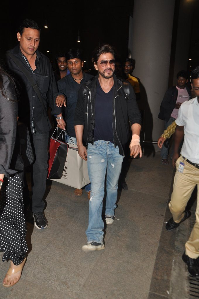 Shahrukh returns (2)