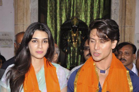 Tiger_and_Kriti_at_Babulnath42