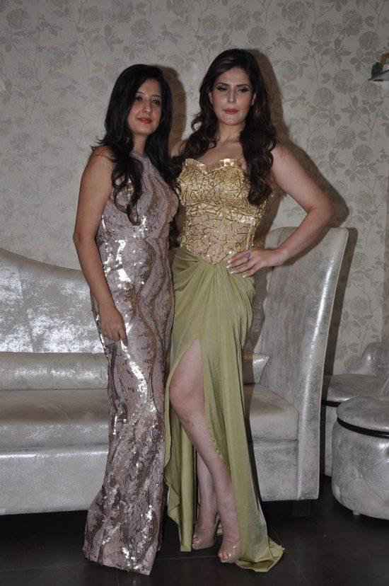 Zareen_Khan_at_Amy_Billimoria_store24