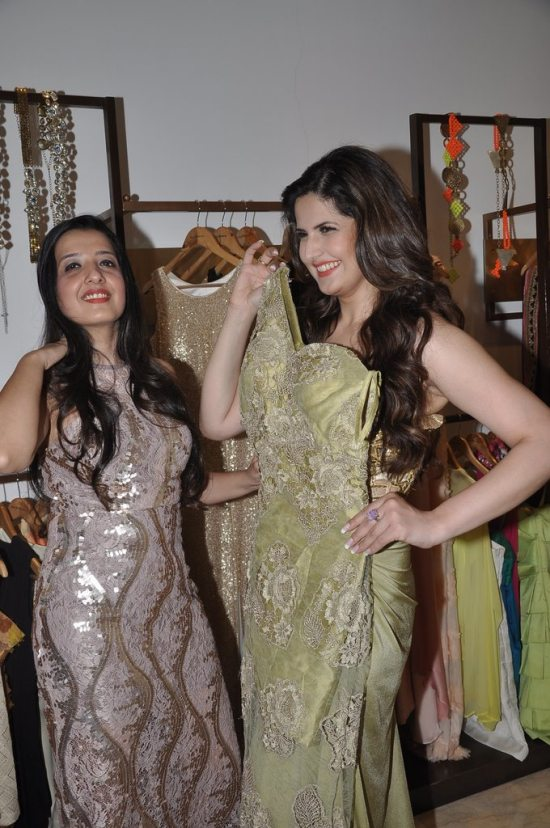 Zareen_Khan_at_Amy_Billimoria_store64