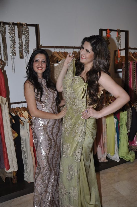 Zareen_Khan_at_Amy_Billimoria_store65