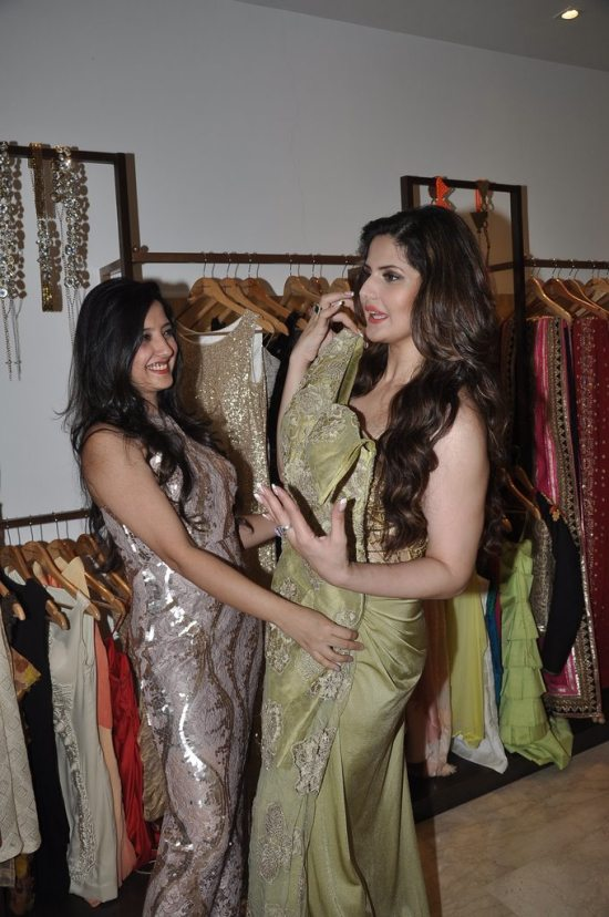 Zareen_Khan_at_Amy_Billimoria_store66