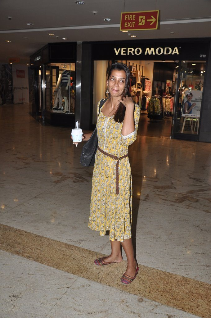 mugdha shopping (1)