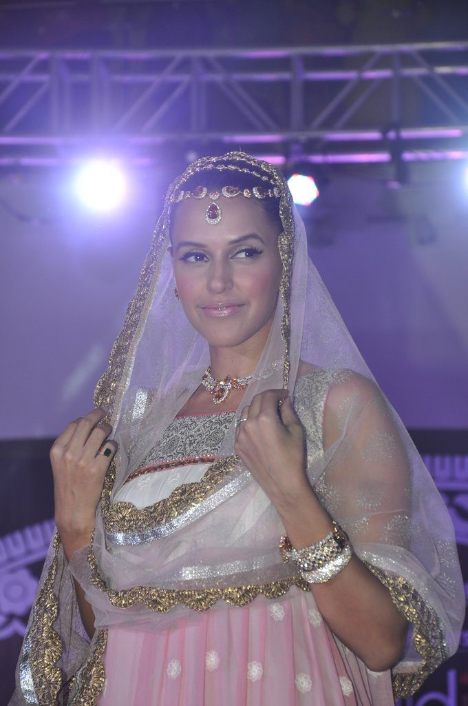 Neha dhupia wedding (5)