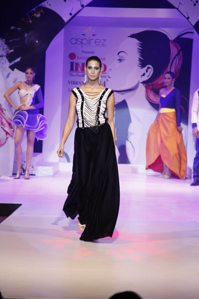 Prachi Mishra hits the ramp