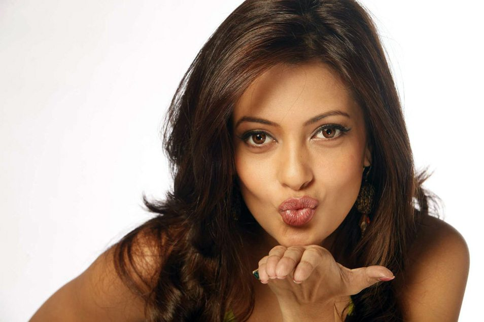 Riya sen hot new photos (1)