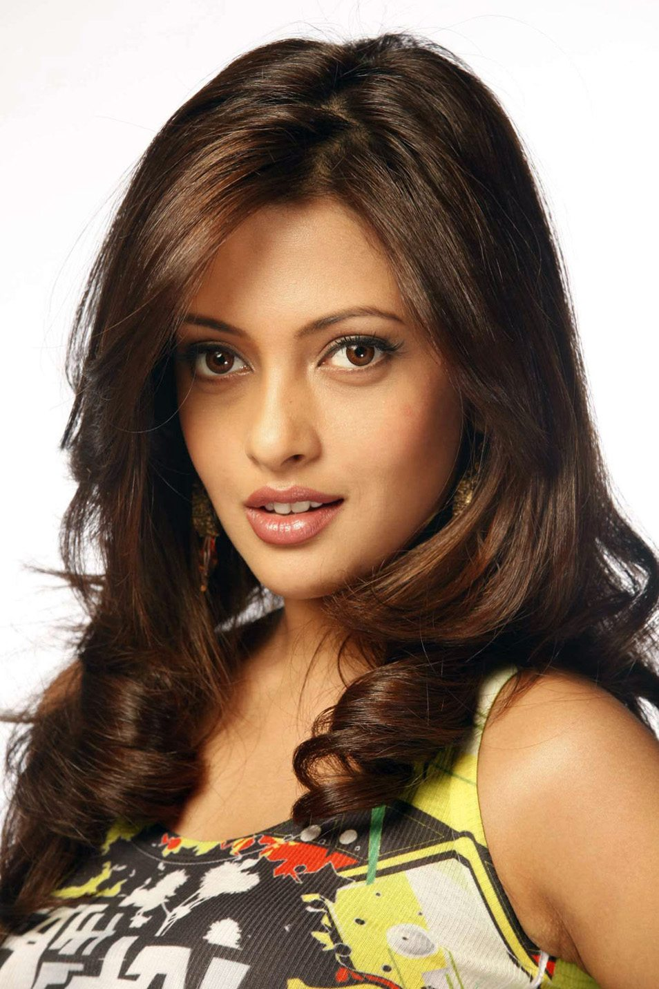 Riya sen hot new photos (2)
