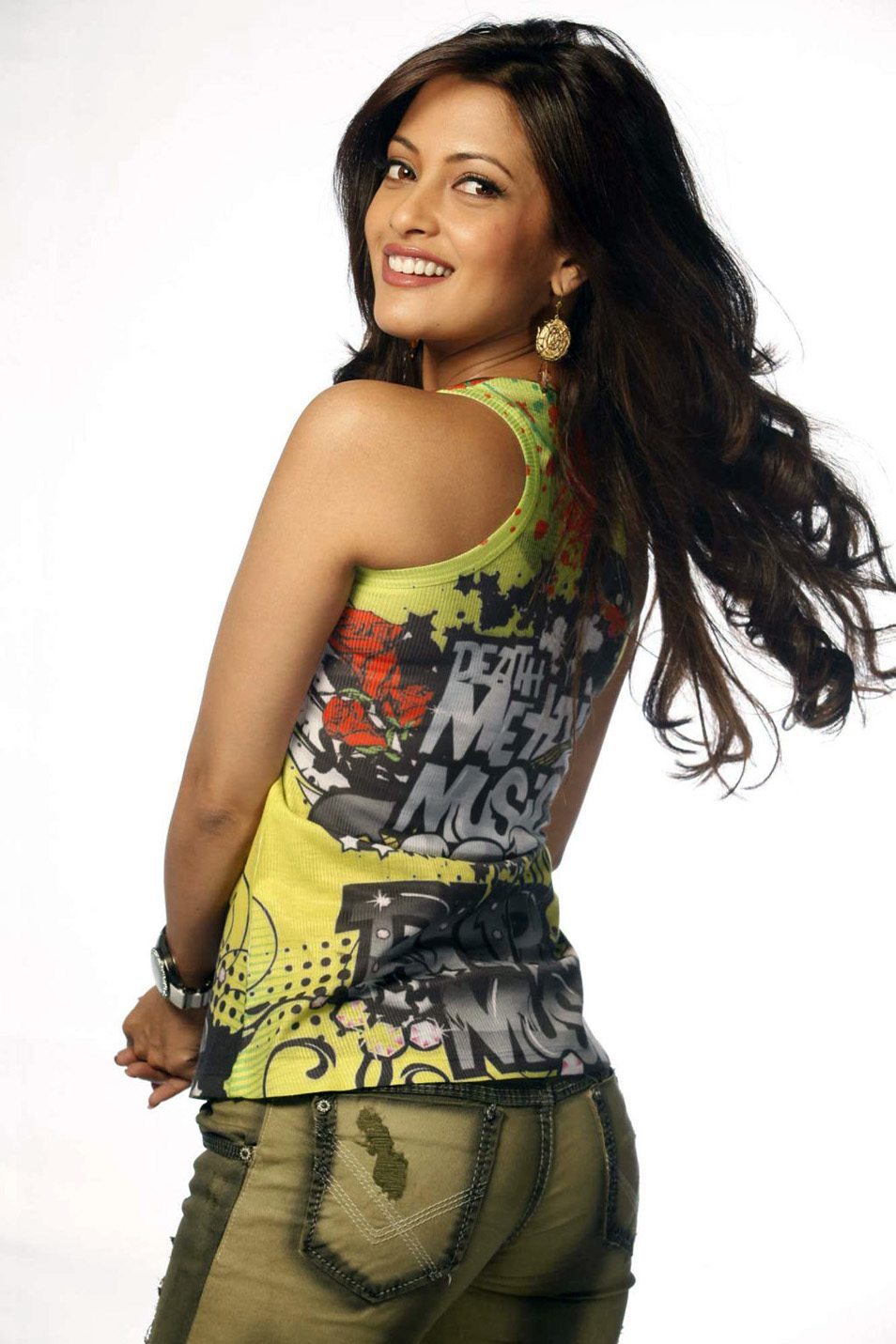 Riya sen hot new photos (8)