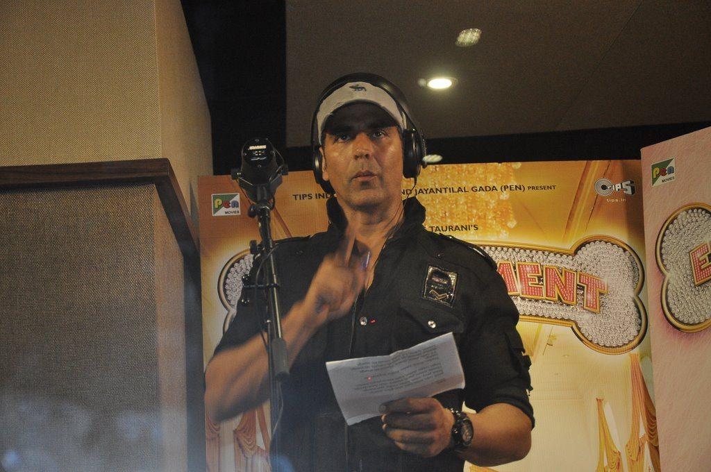 Akshay live song (4)