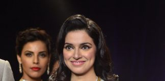 IIJW 2014 Photos – Divya Khosla Kumar walks the ramp for PN Gadgil