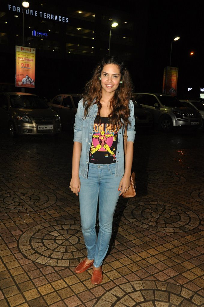 Esha gupta kick screening (1)