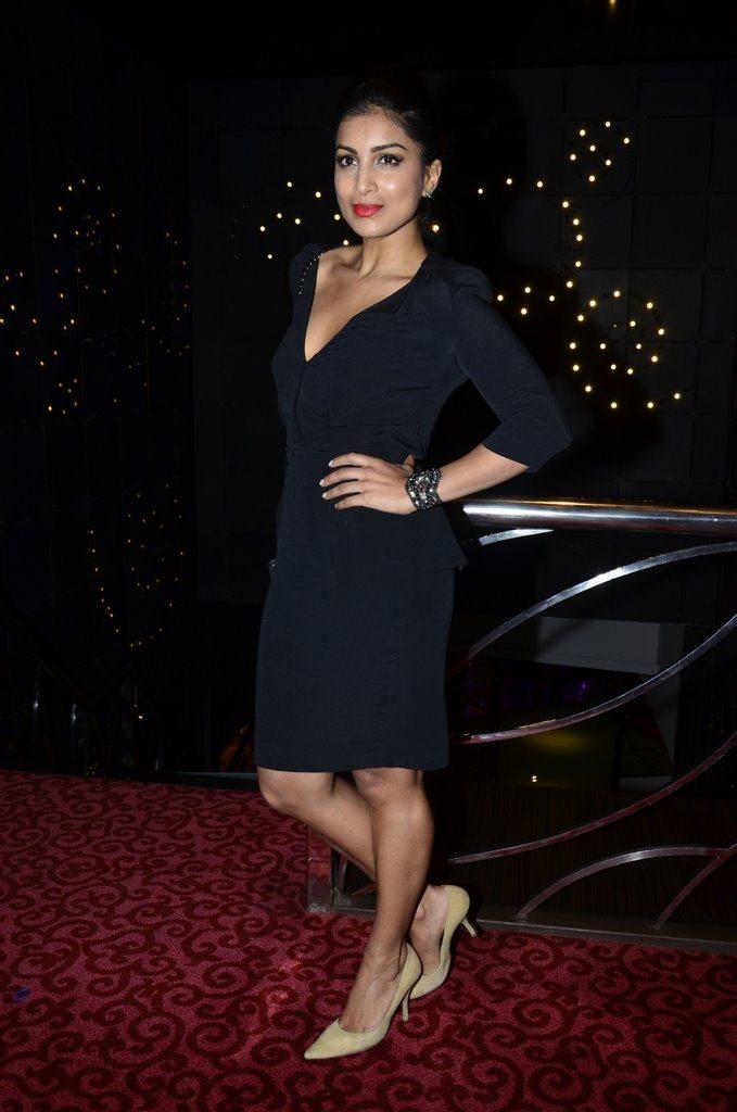 FHM Deepika (8)