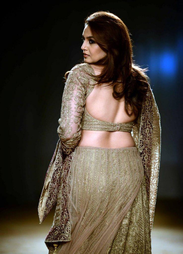 Huma Qureshi  (13)