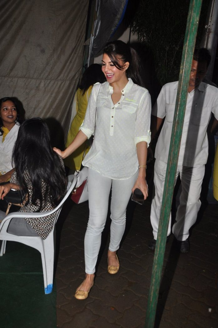 Jacqueline in bandra (1)
