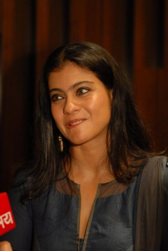 Kajol_Breast_cancer_awarness46