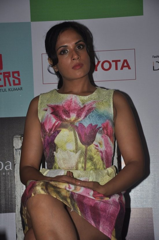Kalki_and_richa_chadda_play34