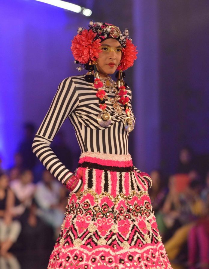 Manish arora India couture (2)