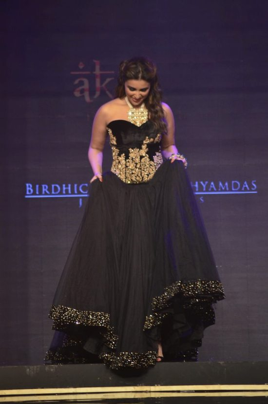 Parineeti_Chopra_IIJW_2014_AKS1