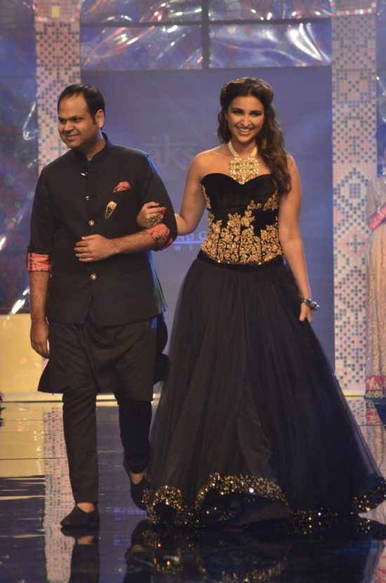 Parineeti_Chopra_IIJW_2014_AKS11