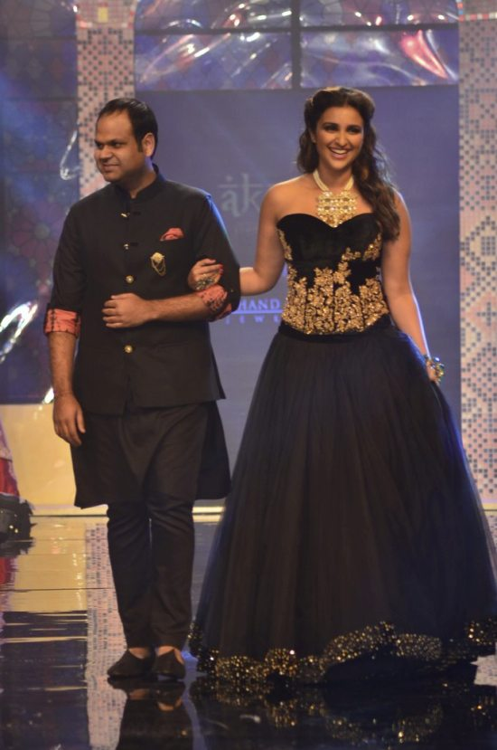 Parineeti_Chopra_IIJW_2014_AKS12