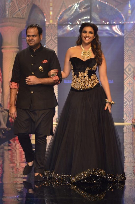 Parineeti_Chopra_IIJW_2014_AKS13