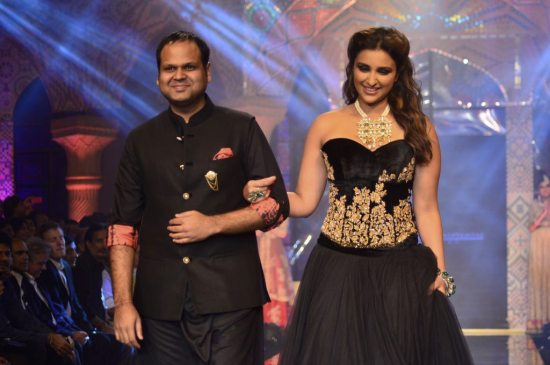 Parineeti_Chopra_IIJW_2014_AKS14