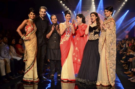 Parineeti_Chopra_IIJW_2014_AKS18