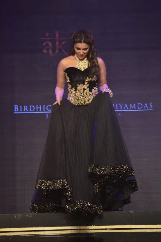 Parineeti_Chopra_IIJW_2014_AKS2