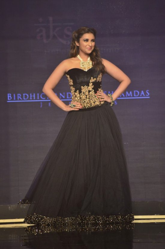 Parineeti_Chopra_IIJW_2014_AKS3