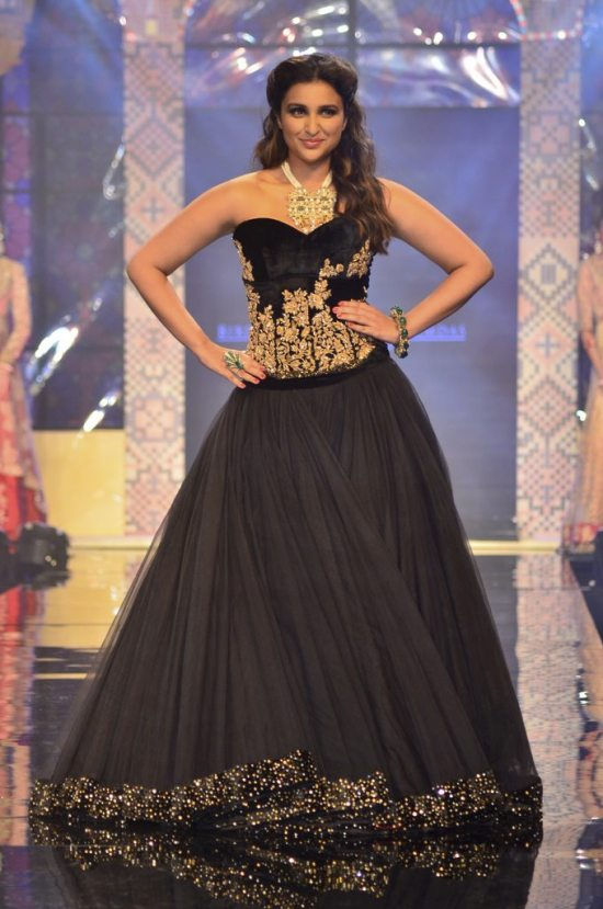 Parineeti_Chopra_IIJW_2014_AKS9