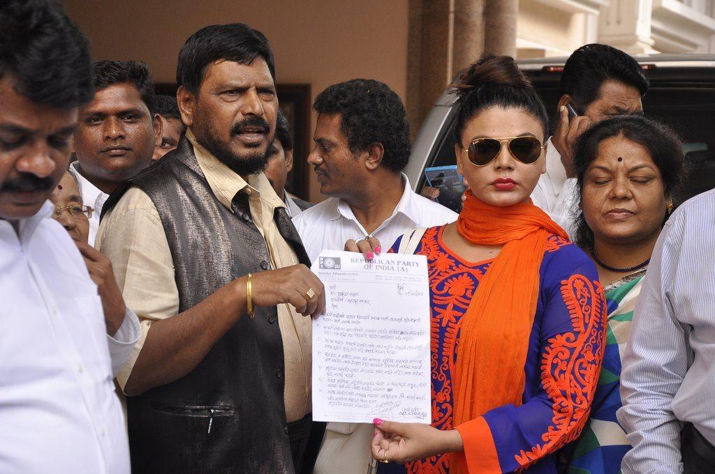 Rakhi sawant politics (3)