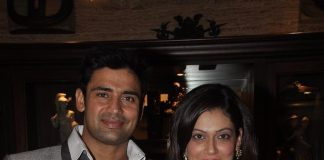 Sangram Singh celebrates birthday with fiancé and friends
