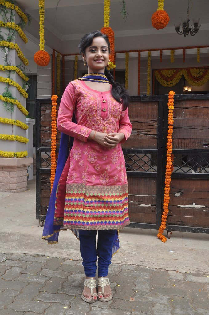 Shastri sisters colors (3)