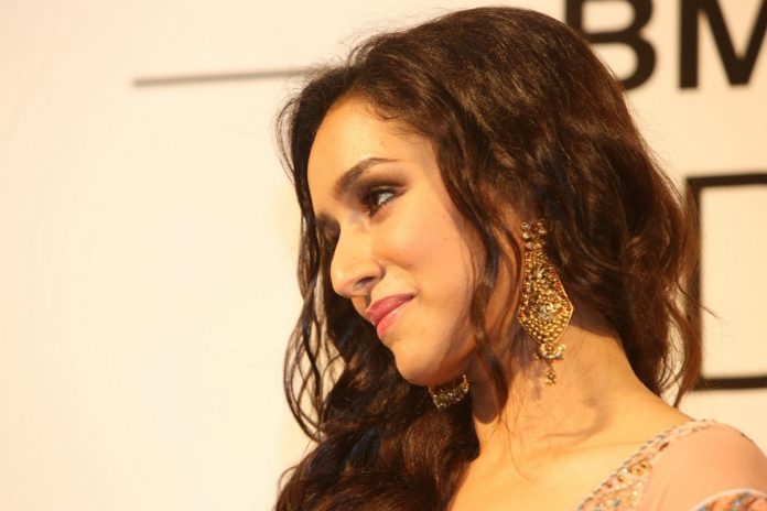 Shraddha Kapoor in 22Kt Azva Earrings at IBFW Press Conference