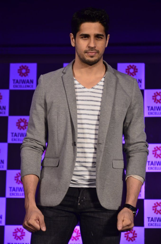 Sidharth taiwan excellense (2)