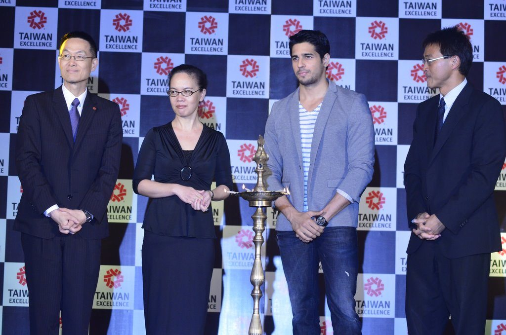 Sidharth taiwan excellense (4)