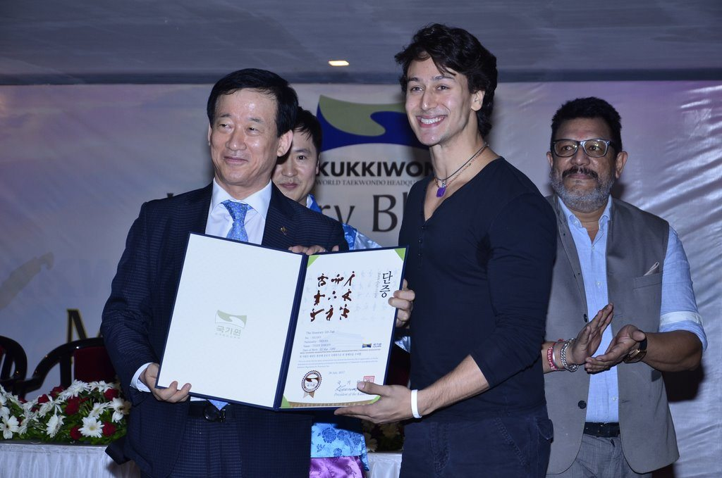 Tiger shroff black belt (1)