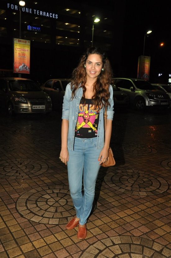 esha_gupta_kick_screening2